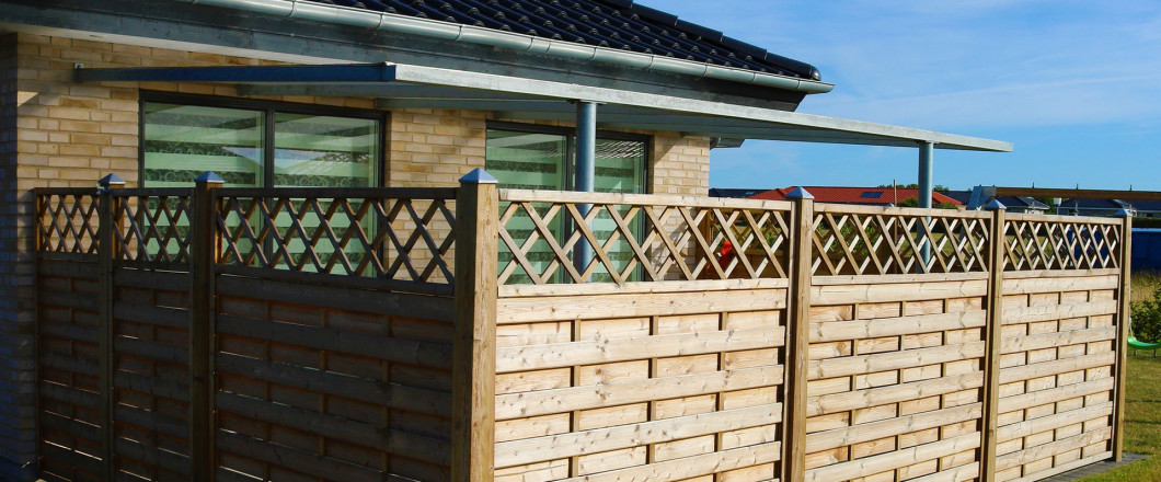 Should You Repair or Replace Your Old Fence?